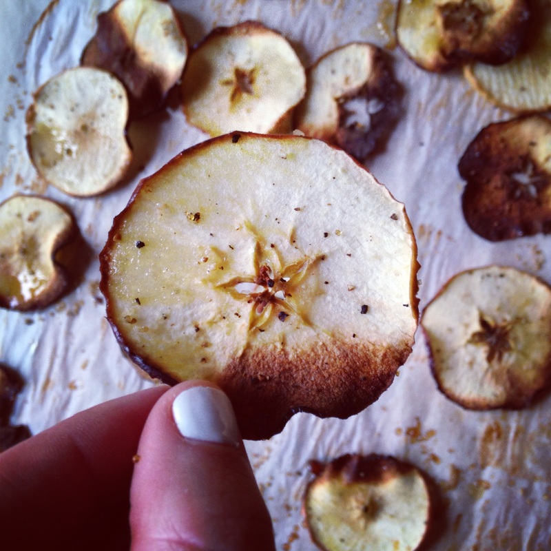 Apple Crisps. Recipe on www.eatwelltravelfar.weebly.com